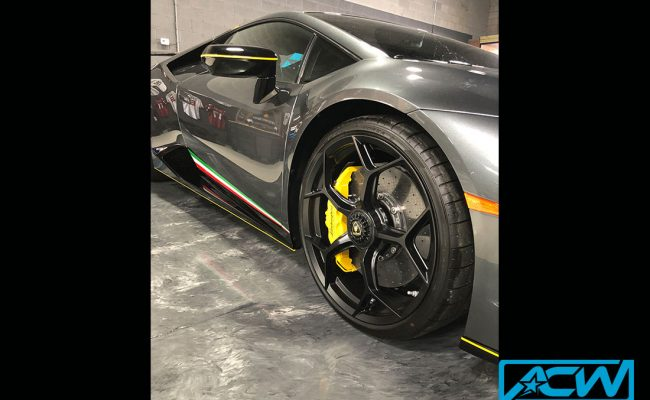 Custom-Vinyl-Wrap-lamborghini-stripes-acw-performante