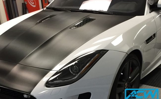 Custom-Vinyl-Wrap-1080-Carbon-Jaguar-Stripe