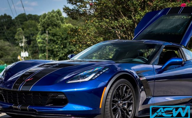 Custom-Vinyl-Wrap-rally-stripes-on-corvette